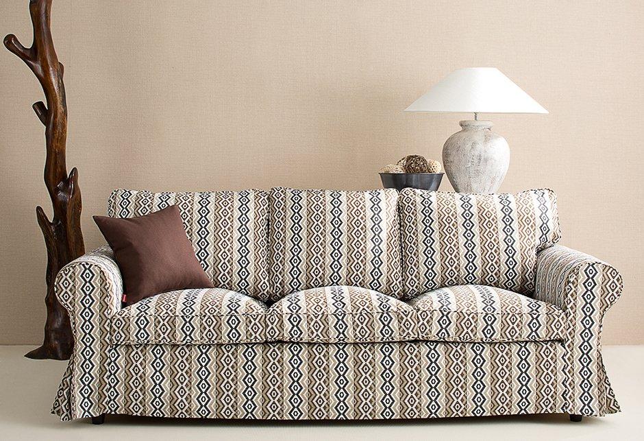 Salon - pokrowiec na sofę z IKEA, kolekcja Mosaik