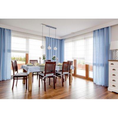 Jedáleň v pastelovo modrej farbe