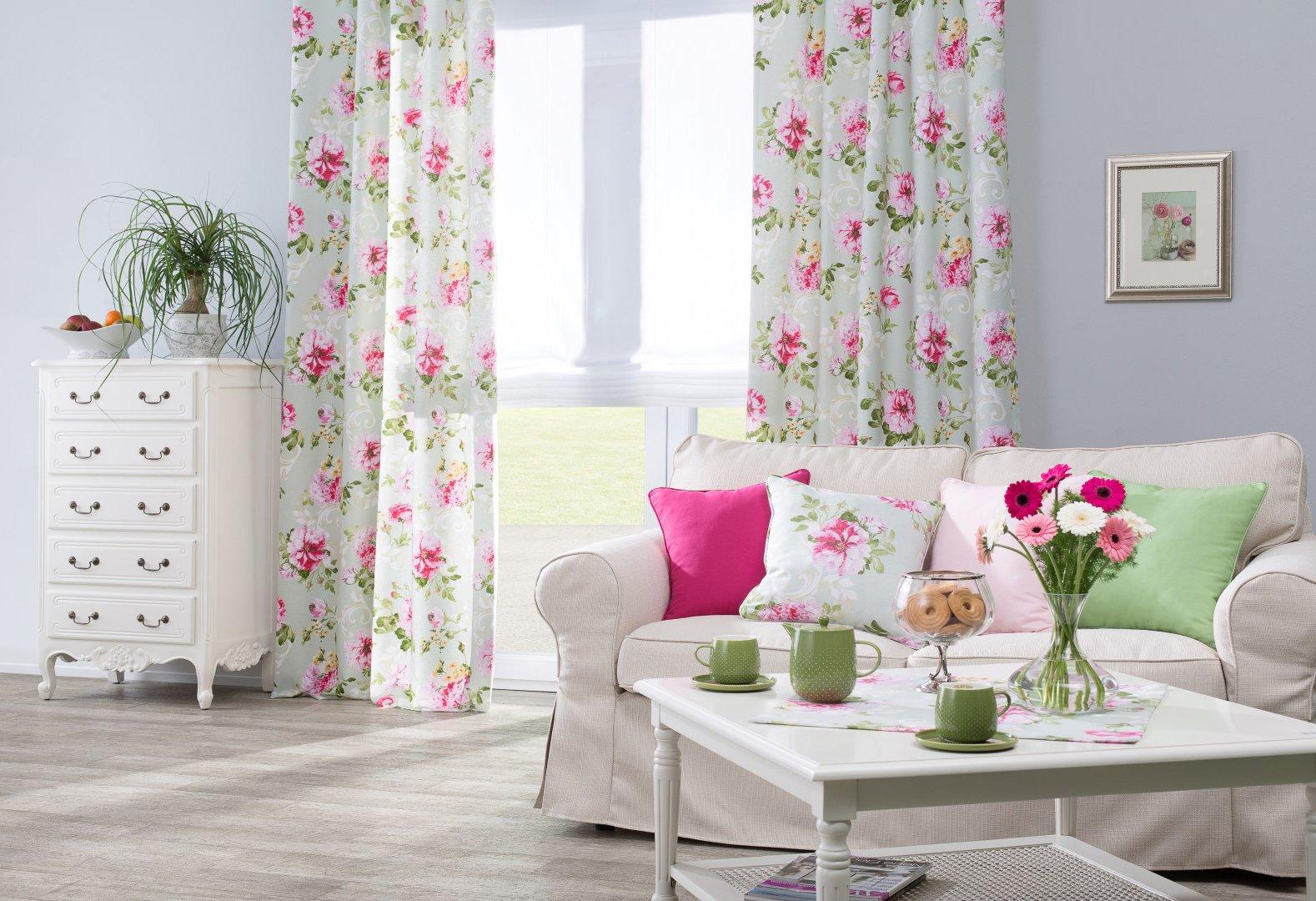 Obývačka s romantickým nádychom
