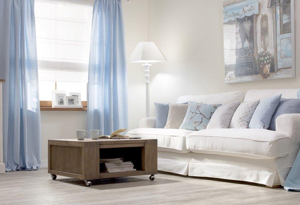 Obývačka v pastelovo modrých odtieňoch