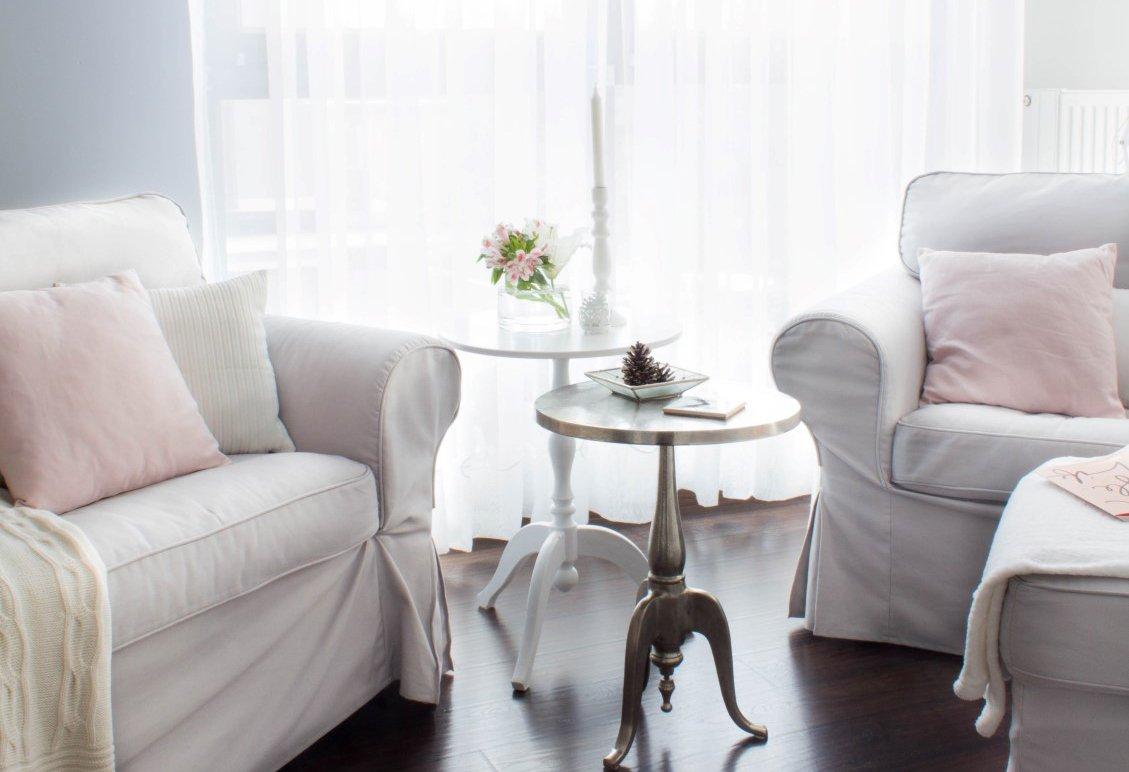 Obývací pokoj - v hlavní roli pohovka