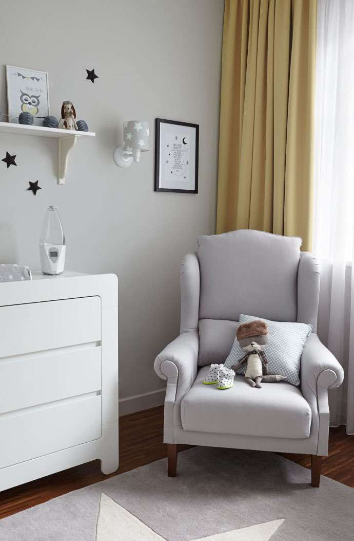 Nursery Light & Bright