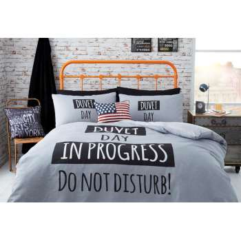 Sypialnia w młodzieżowym stylu