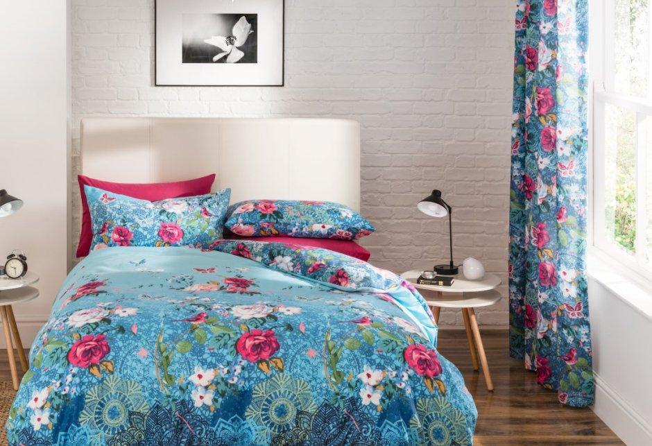 bunte blumen im schlafzimmer 1 405 dekoria. Black Bedroom Furniture Sets. Home Design Ideas