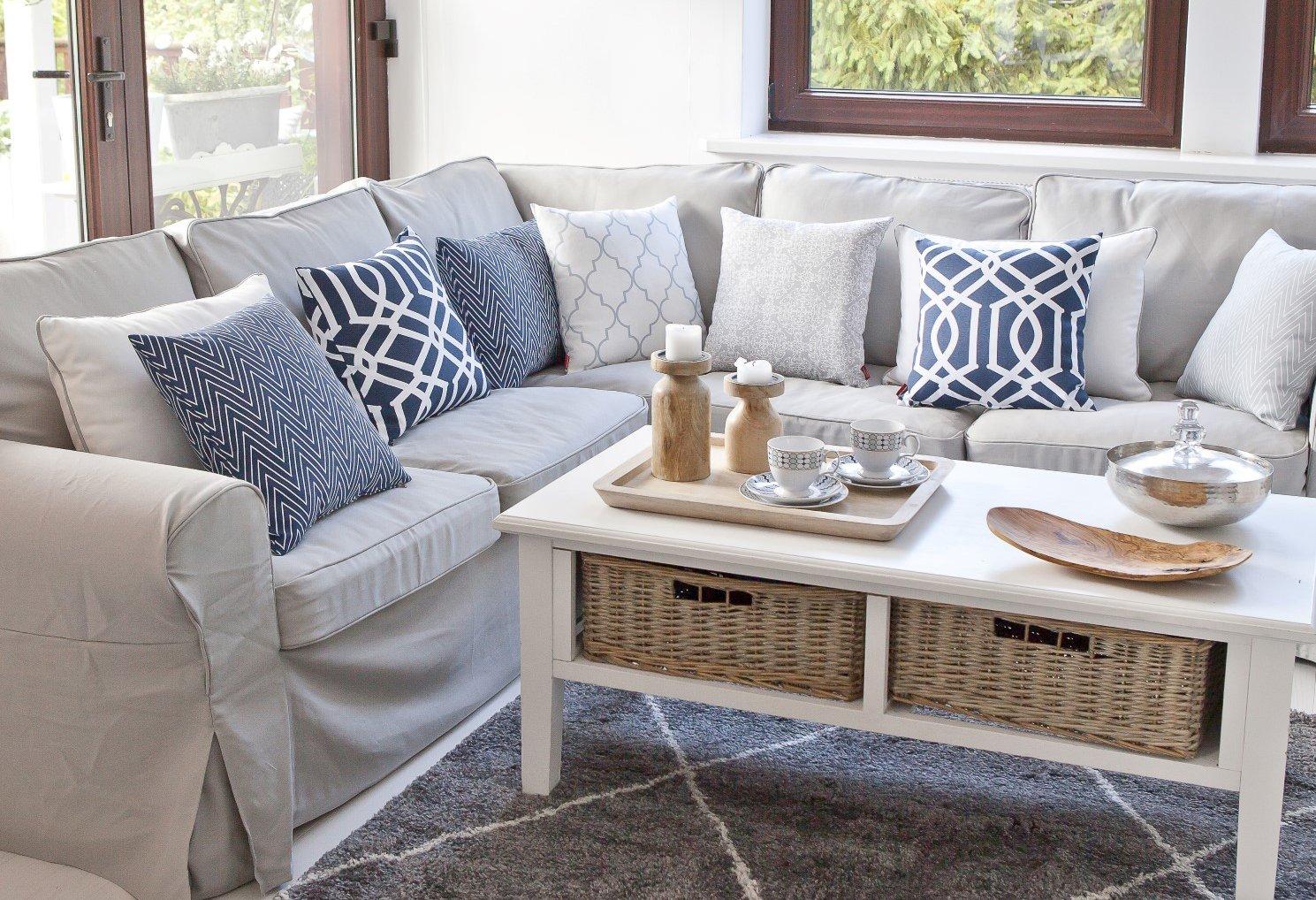 Living room Beige, White & Navy