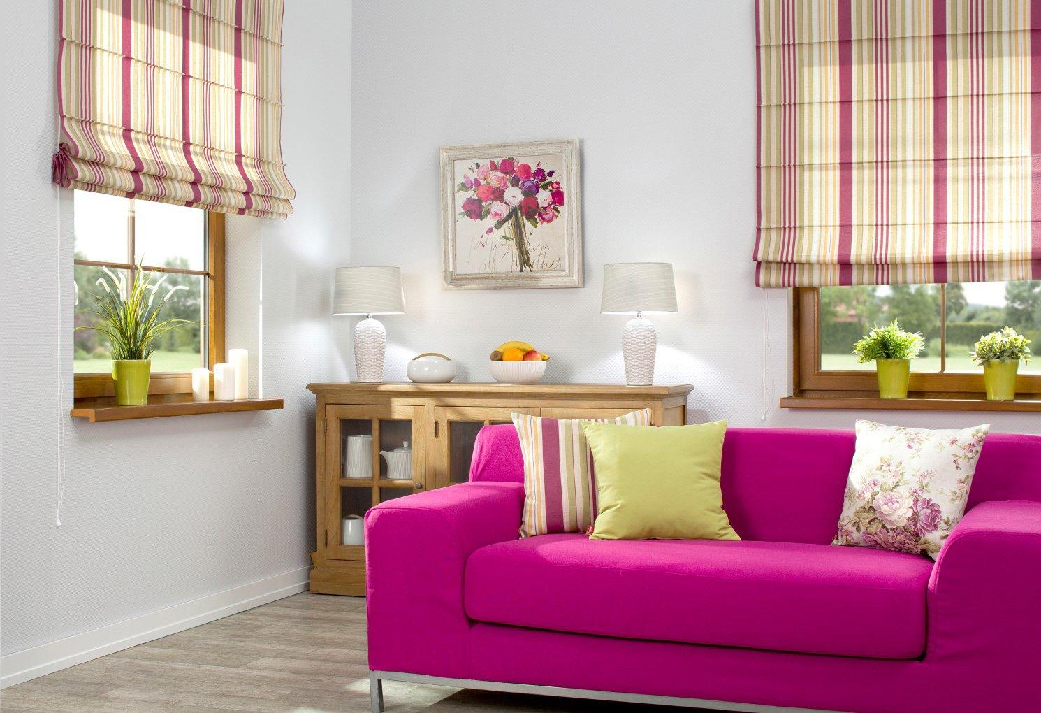 Obývací pokoj v teplých barvách