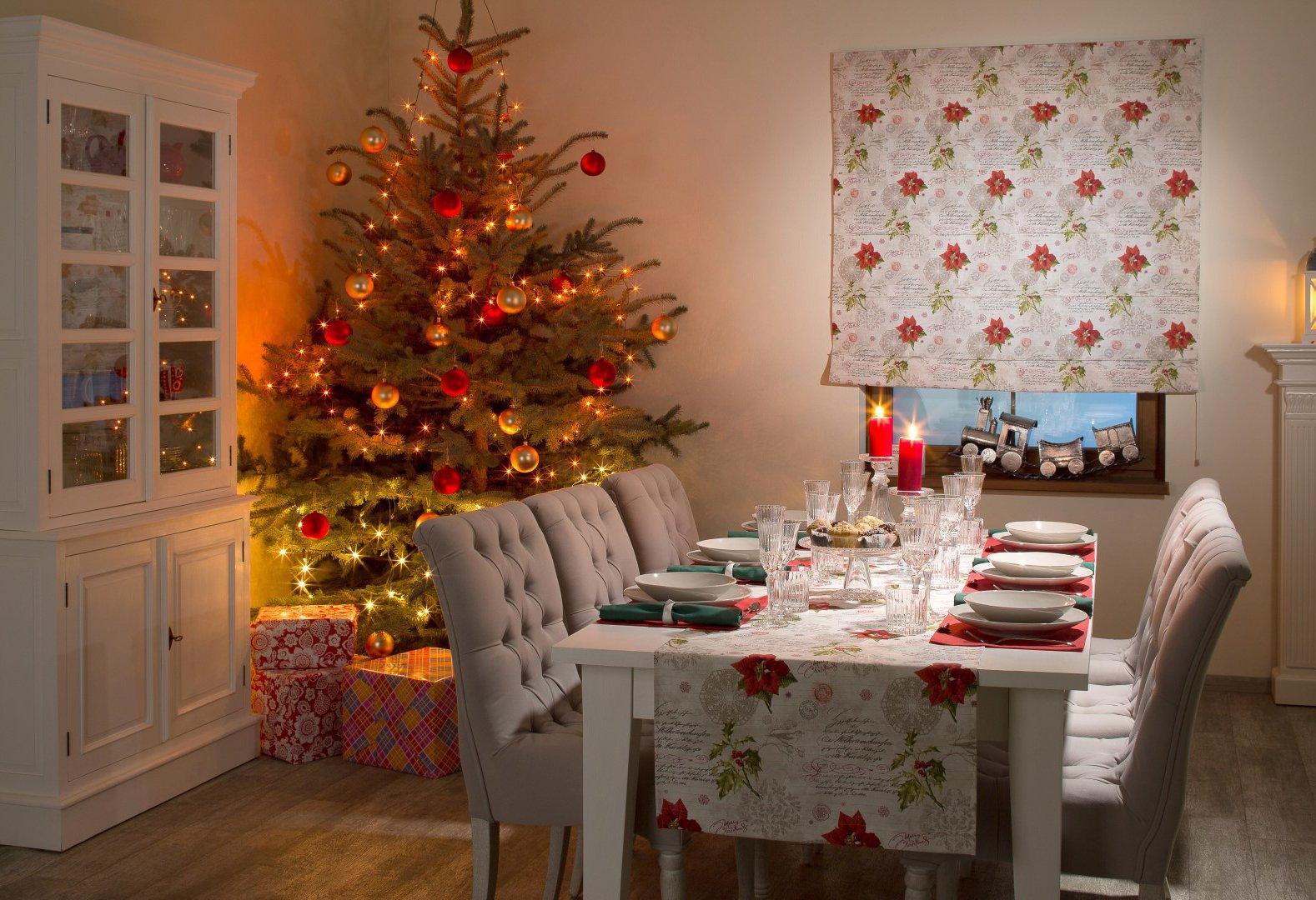 Klassische Weihnachtstafel