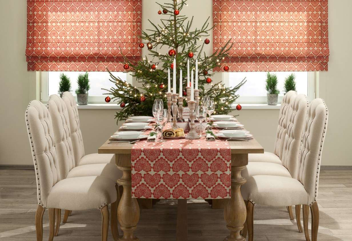 Christmas Red & White Table