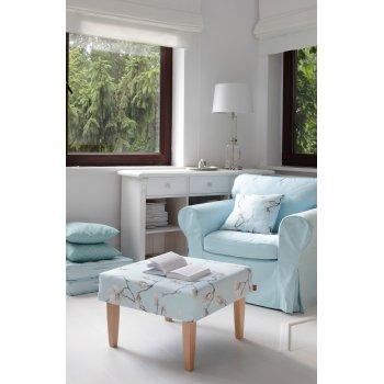 Obývací pokoj v pastelovém blankytu