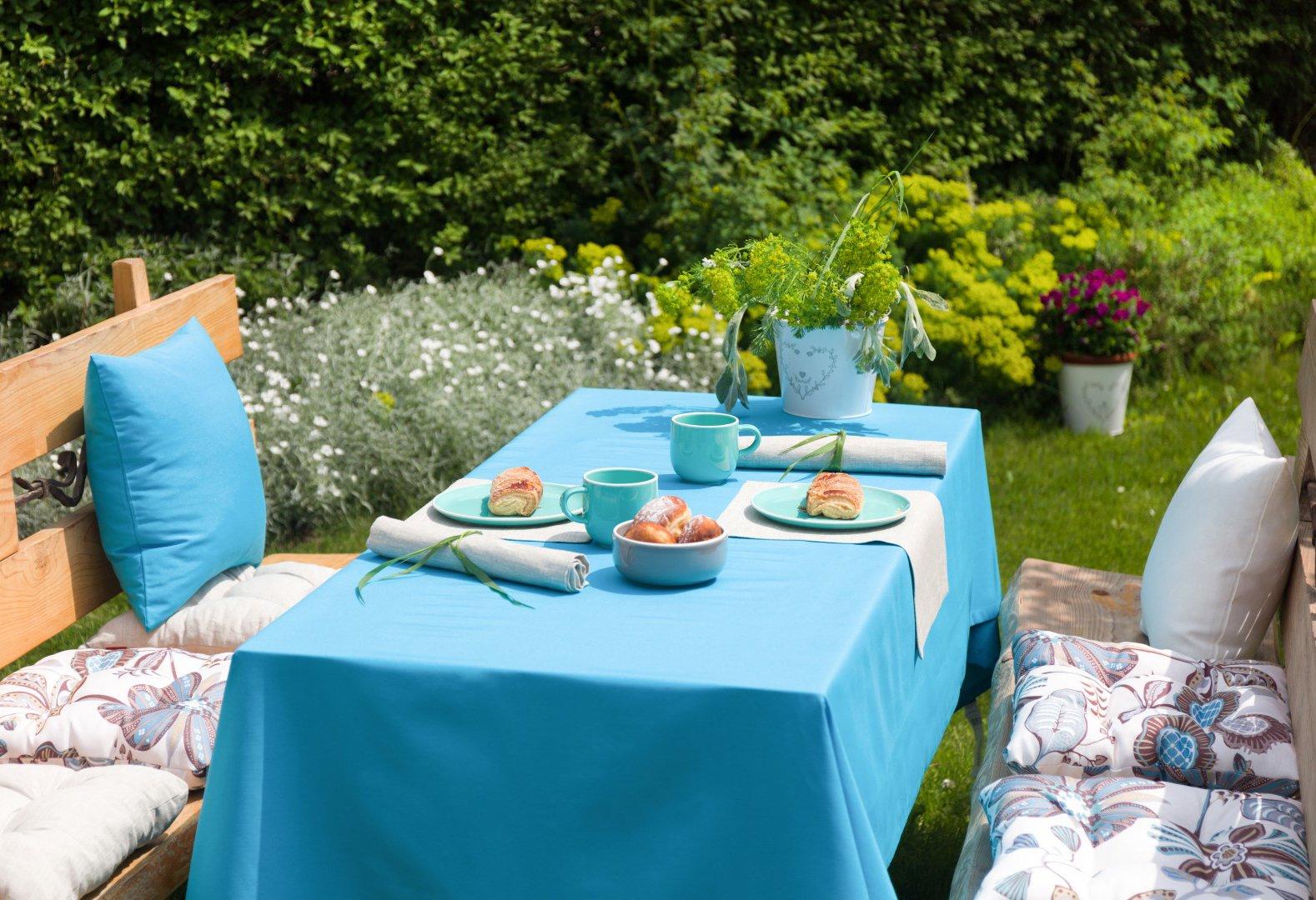 Zahradní koutek v modré