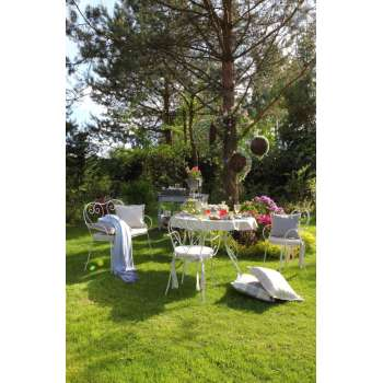 Sielski nastrój w ogrodzie