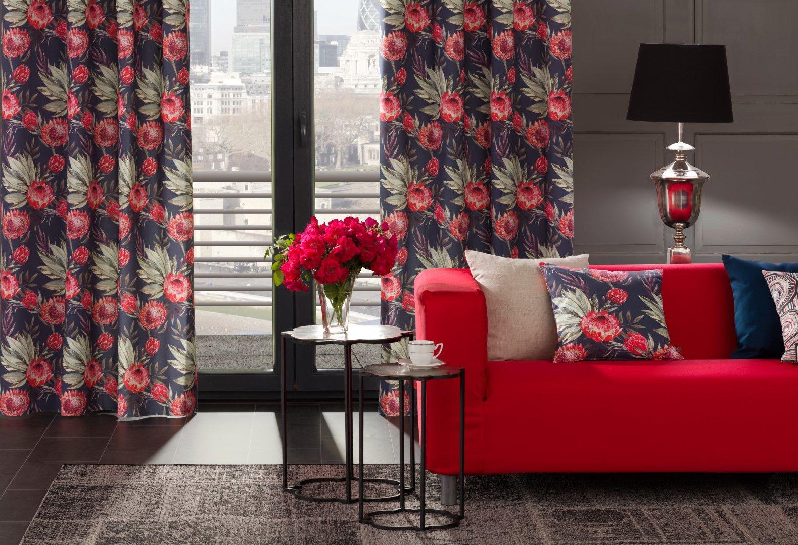 woonkamer in Spaans rood
