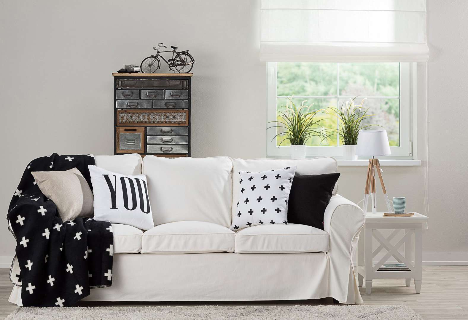 Living room Black & White Scandi