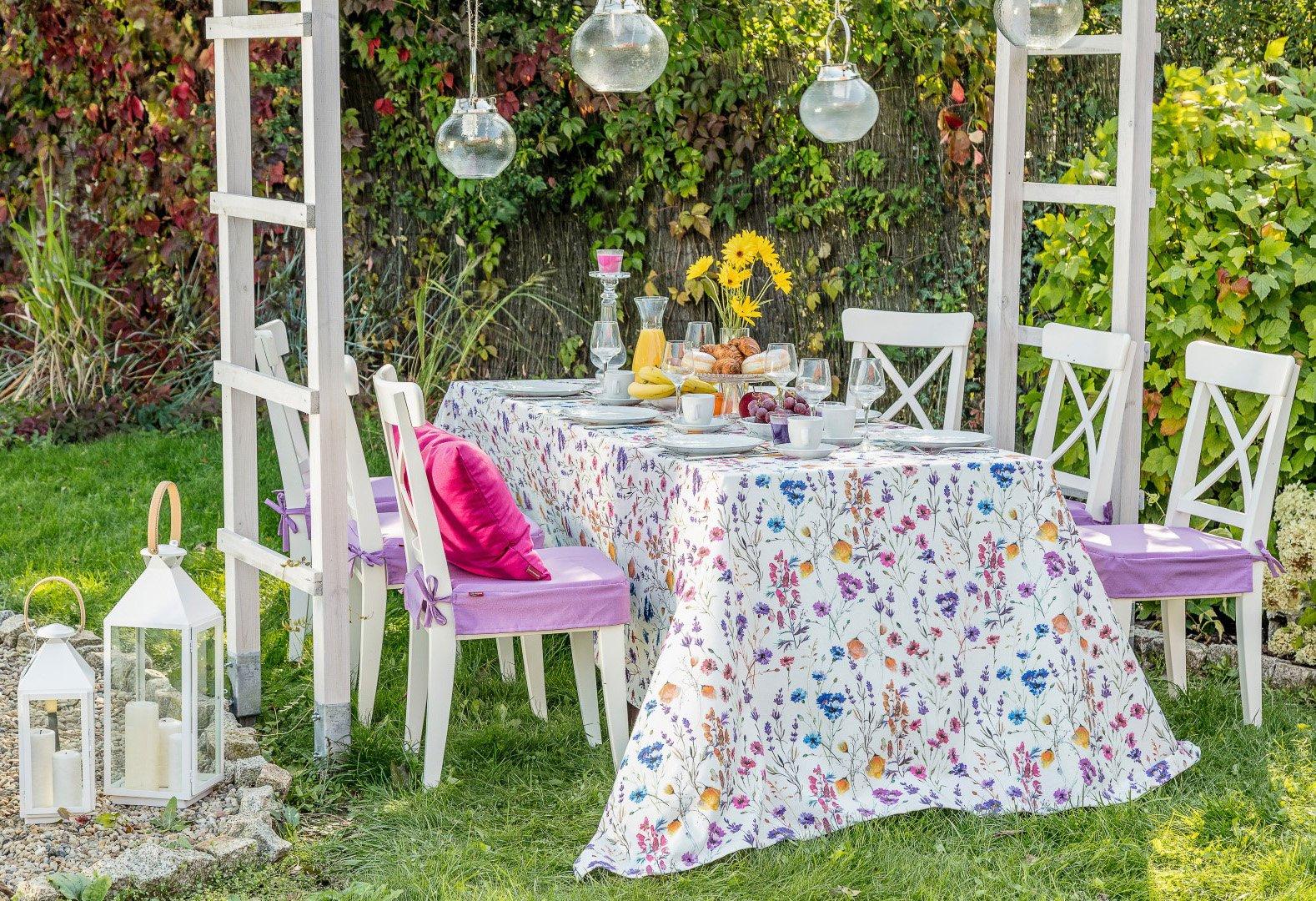 Kolacja w barwnym ogrodzie - Flowers