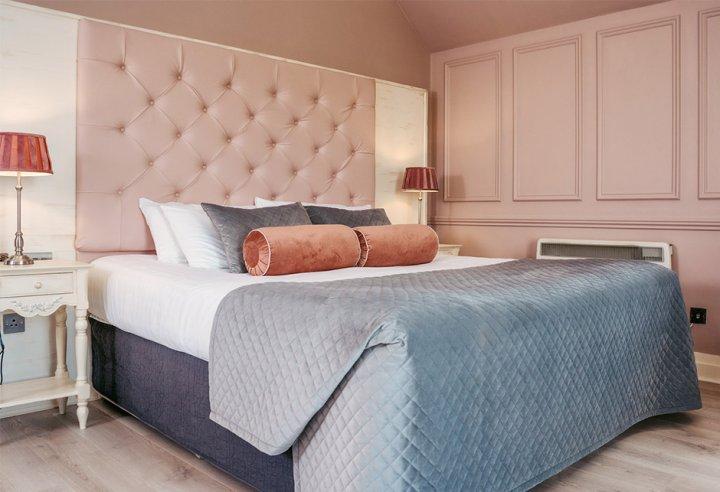 Royal Pink & Gray